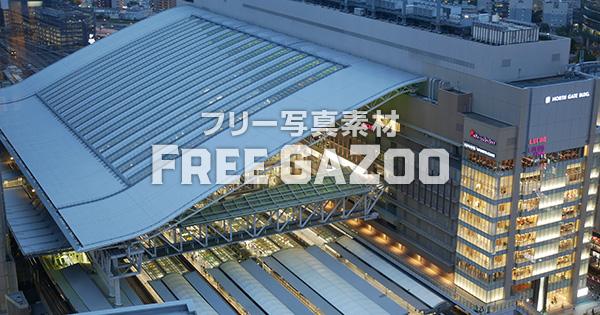 夕暮れ時のJR大阪駅 1